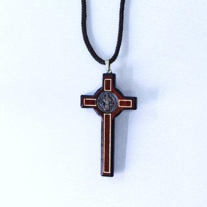Cordão de Cruz São Bento